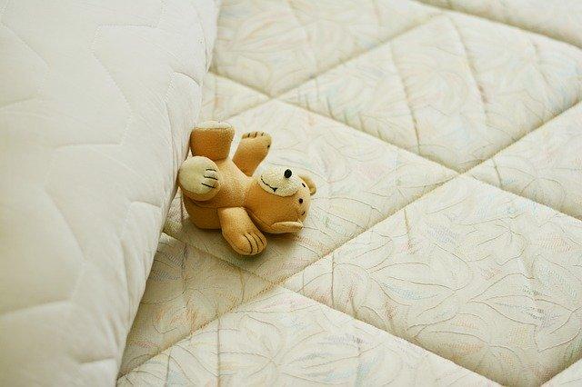 vzmetnice postelja